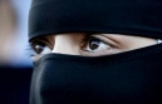 """""""Müslüman kadınlara çirkin hakaret!"""""""