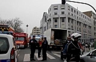 Paris'te Saldırı Düzenleyen 2 Teröristin İzi...