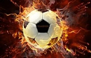 Taraftarların saldırdığı futbolcu öldü