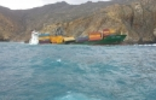 ''Türk Gemisi Karaya Oturdu''