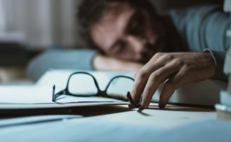 Gece çok daha iyi uyumanızı sağlayacak 5 uyku hilesi
