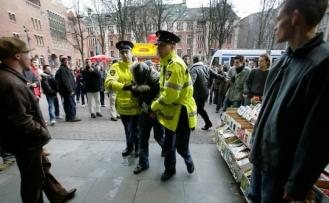 Hollanda'da Müslüman ailenin evine ırkçı saldırı