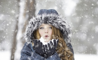 Soğuk ve rüzgarlı hava yüz felci yapabilir!