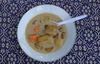 Endonezya'da iftar sofrasının vazgeçilmezimuzçorbası