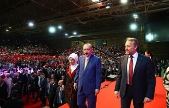 """İzetbegoviç'ten Avrupalı Türklere: """"Erdoğan'a sahip çıkın"""""""