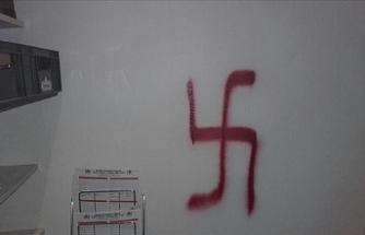 Almanya'da Türk doktorun muayenehanesine ırkçı saldırı