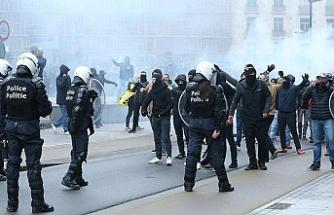 Göçmen karşıtları Avrupa Birliği binalarına saldırdı, Brüksel savaş alanına döndü