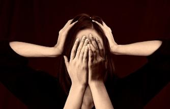 Baş ağrısı depresyonun belirtisi olabilir!