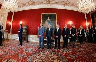 Cumhurbaşkanı Bellen geçici hükümeti onayladı