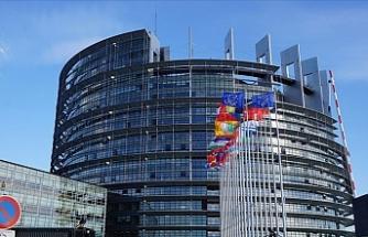 Avrupa Parlamentosu'ndaki 73 üyeli aşırı sağ grup isim değiştirdi