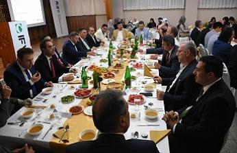 Avusturya İslam Federasyonu'ndan İftar Yemeği