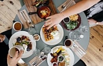 Bol kalorili yemeğinizi hafifletmenin 7 yolu