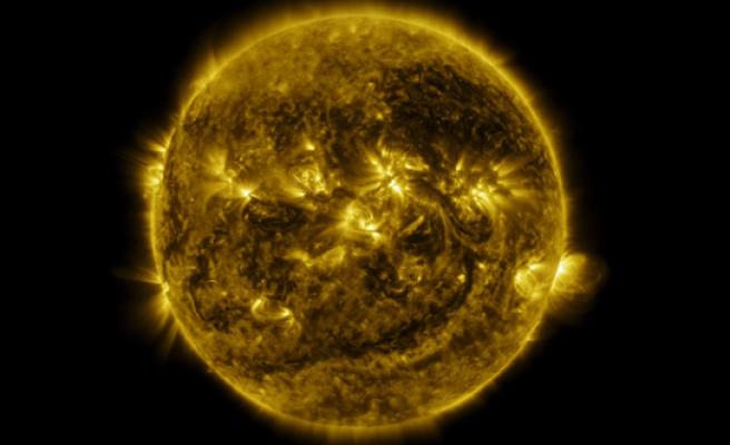 3 dakikada Güneş'in 1 yılı