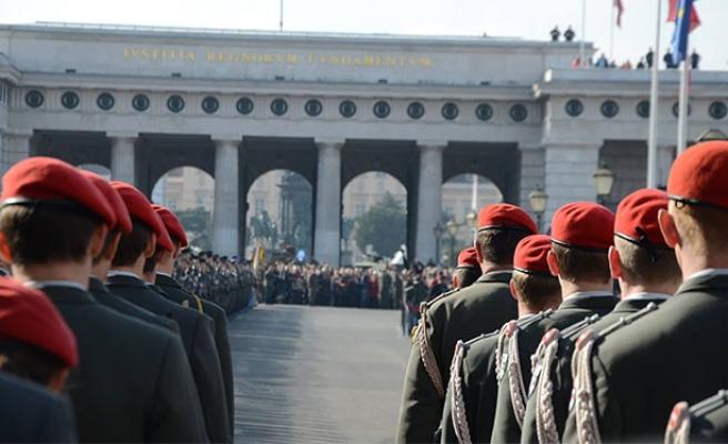 Avusturya Ordusu sınıra kaydırılıyor