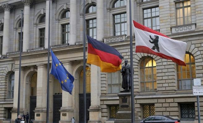 Küresel yavaşlama Almanya'yı vurdu