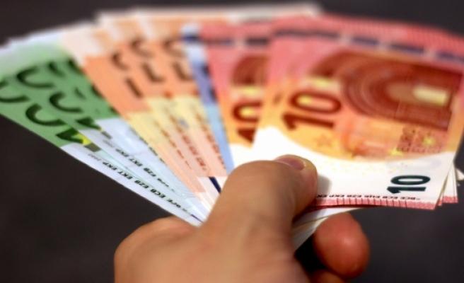 O ülkede sahte para bozdurmak isteyen Avusturyalı'ya gözaltı