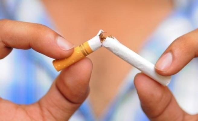 Sigara yaşamınızdan en az 5 yıl çalıyor