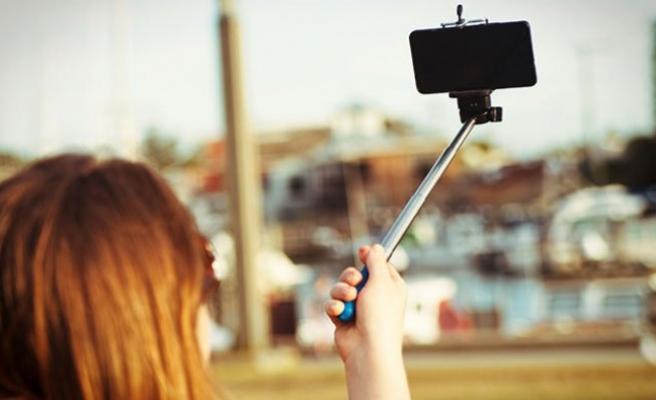 ABD eski istihbarat çalışanı Snowden: ' Selfie, yüz tanıma programıdır '
