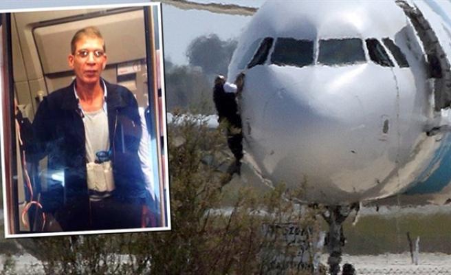 Mısır uçağını eski karısı için Güney Kıbrıs'a indirdi