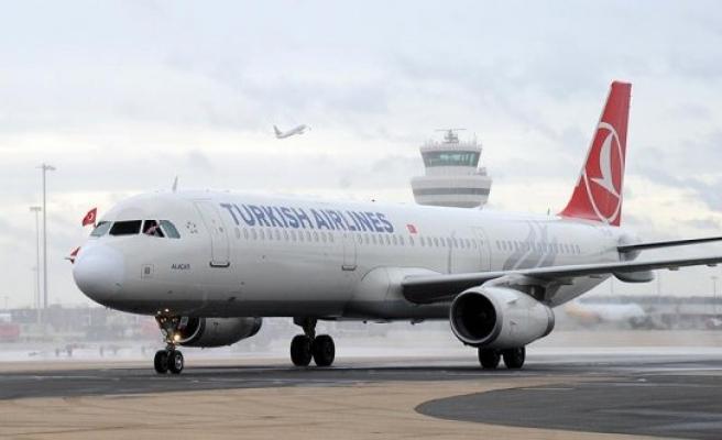 THY uçağı indi, havalimanı kapatıldı