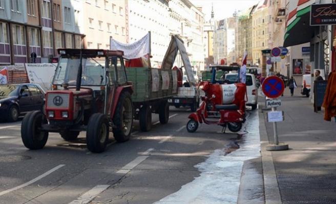 Viyana'da 'Süt' Protestosu