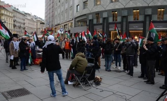 Viyana'da 'İsrail'e boykot' çağrısı