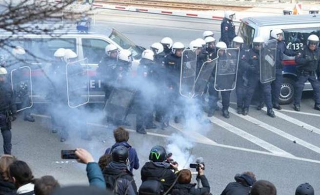 Avusturya'da gerginlik: 50 gözaltı
