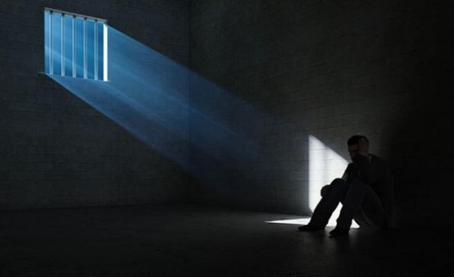 Avusturya'da mahkumlar intihar ediyor