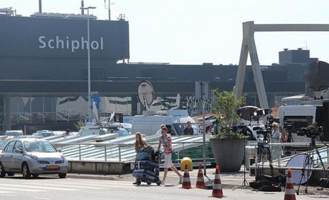 Hollanda'da havalimanında şüpheli paket alarmı