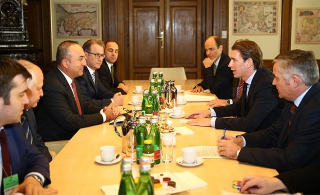 Avusturya ve Türkiye'nin Dışişleri Bakanları Viyana'da Görüştüler