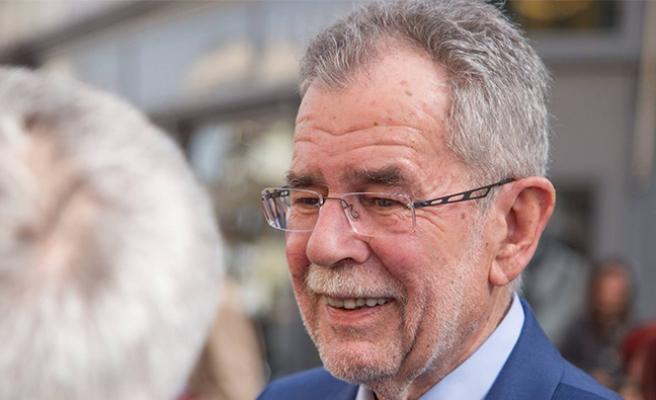 Avusturya'nın yeni cumhurbaşkanına ve seçmenlerine ölüm tehditleri yağıyor