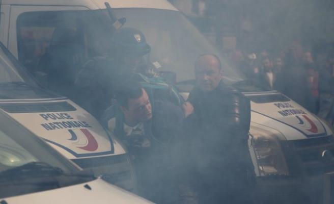 Paris'te olaylar durulmuyor