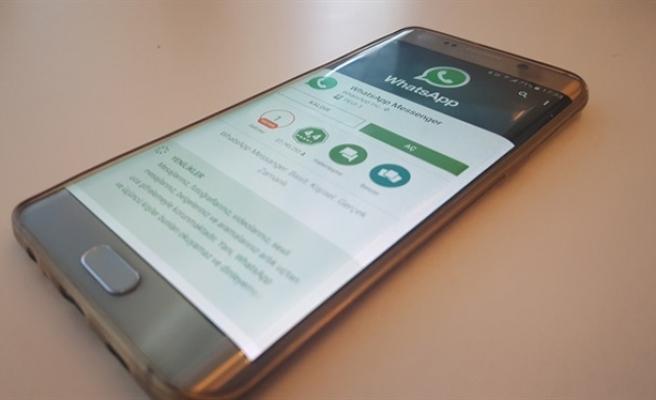 WhatsApp'a güncelleme: Hızlı yanıt, kamera, yazı tipi, renk atama