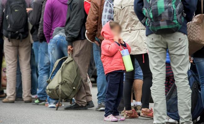 Avusturya ve Almanya'da Hristiyanlığa geçen mültecilerin sayısı artıyor
