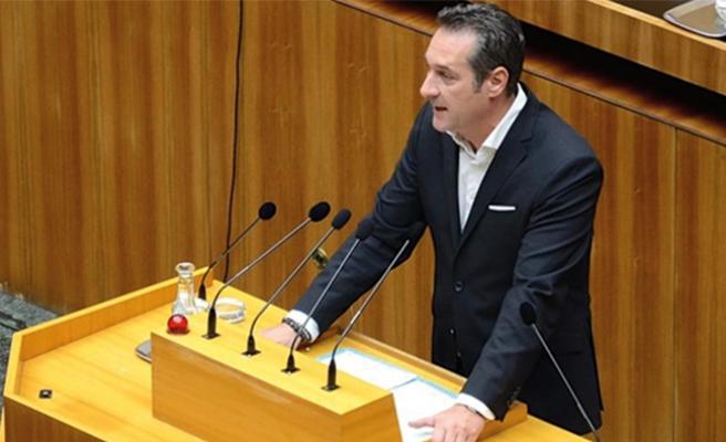 Strache: ' Güvenmemekte haklıyız'