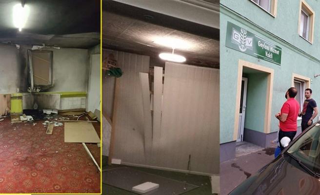 Avusturya'da Camiye Patlayıcı Maddeyle Saldırı