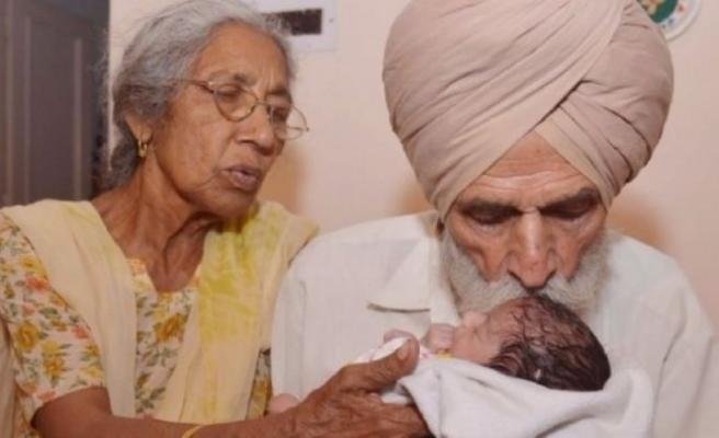Dünyanın en yaşlı annesi!
