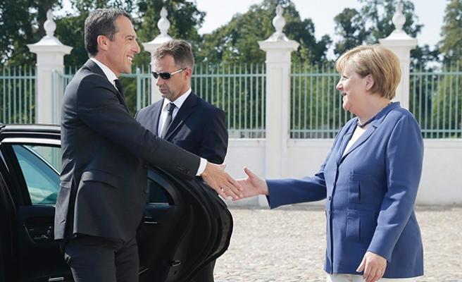 ''Bayan Merkel, Avusturya'nın iç siyasetini iyi biliyor''