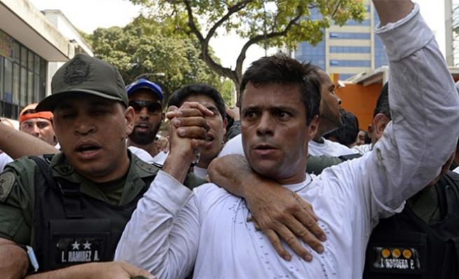 Venezuela'da muhalif lidere hapis şoku