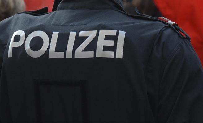 Avusturya'da polise uyuşturucu kaçakçılığı ve çocuk pornosundan hapis cezası
