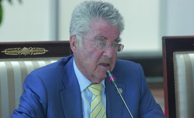 Avusturya'nın eski cumhurbaşkanı oy vereceği adayı açıkladı