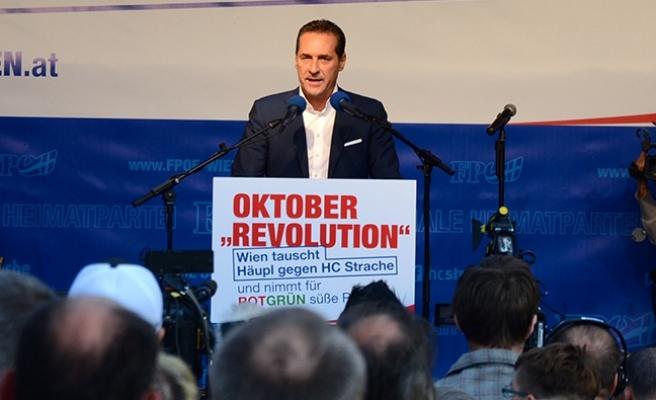 Strache'den 'Merkel' çıkışı