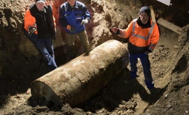 Almanya'da 54 bin kişiyi tahliye ettiren bomba