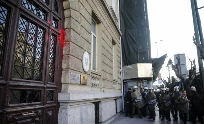 Avusturya'nın o ülkedeki elçiliğine 'boyalı' saldırı
