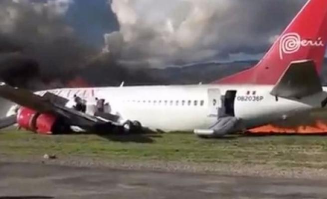 İçinde 141 yolcu bulunan uçak alev aldı