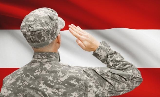 Avusturya'da askerliği 'sivil' olarak yapanlarda artış