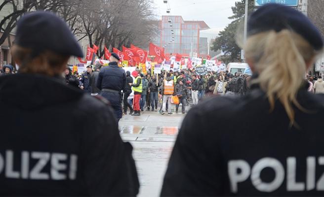 Avusturya'da o yasa tasarısına tepkiler büyüyor