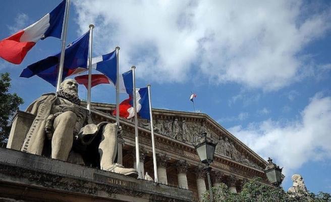 Fransa cumhurbaşkanı seçiminde ilk tur oylama bugün