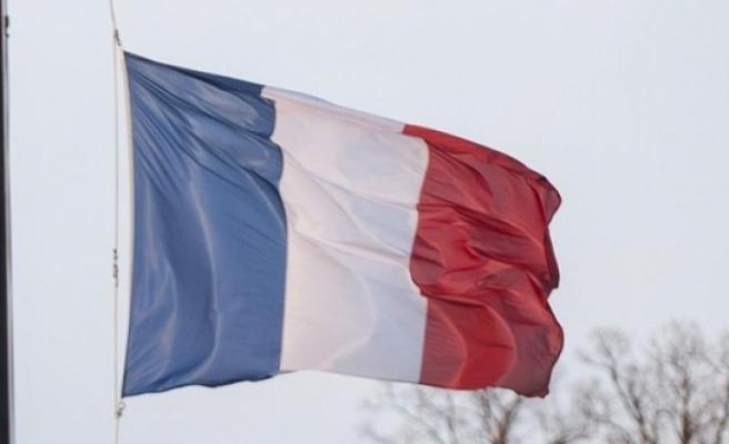 Fransızlar için şok iddia! 5'te 1'i ülkeyi terk...