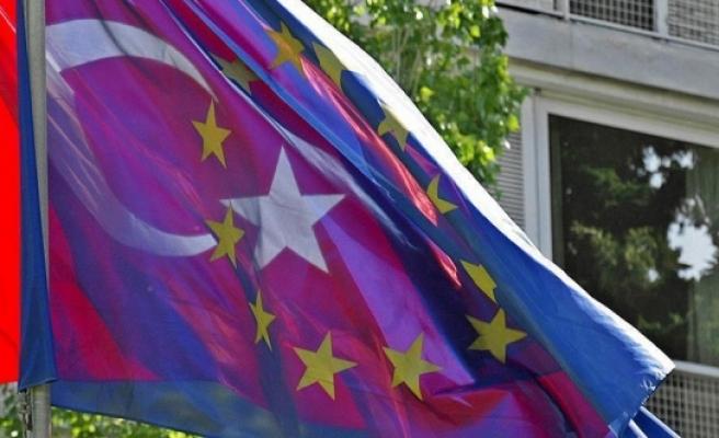 Katrougalos: 'Türkiye-AB müzakerelerini durdurmak büyük hata olur'